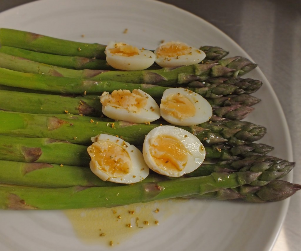 asparagus with quail eggs and fennel pollen