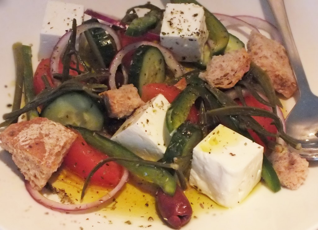 Mazi - greek salad with kritama