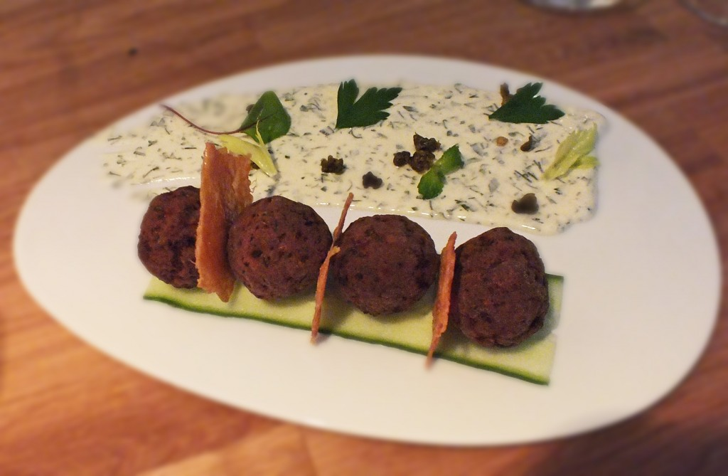 Mazi -meatballs with mint and sesame dip