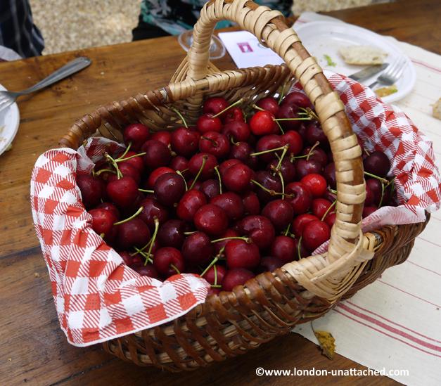 domaine de la tuffiere cherries