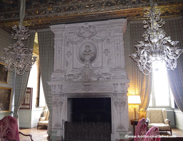fireplace chateau de brissac