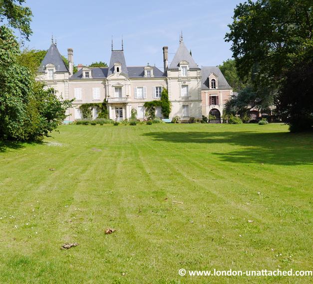 lawn chateau des vaults