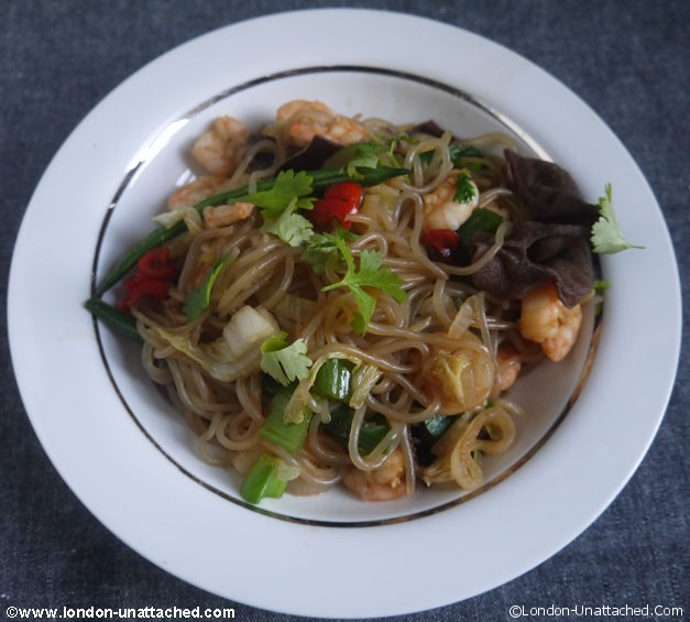 5-2 diet hot noodles with prawns