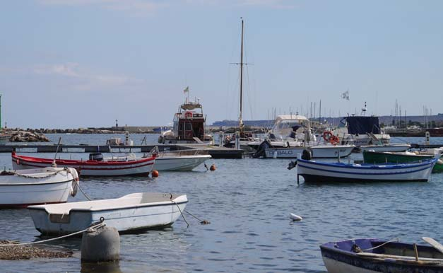 harbour marzamemi sicily
