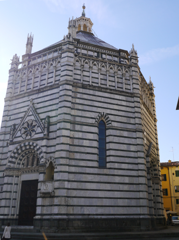 pistoia-town-baptistry