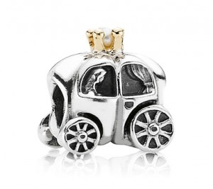 pandora carriage charm