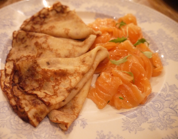 blinis pancakes with salmon