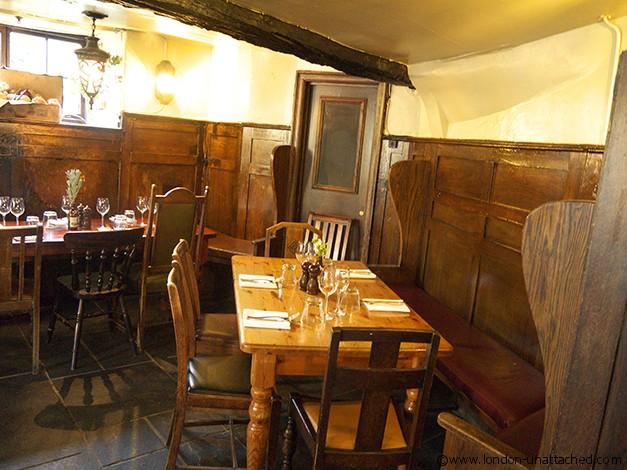 The Spaniards Inn - Bar