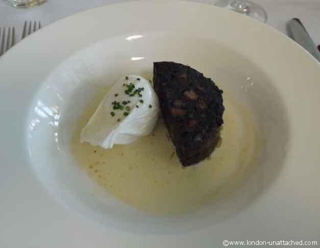 les deux salons poached egg and artisan black pudding