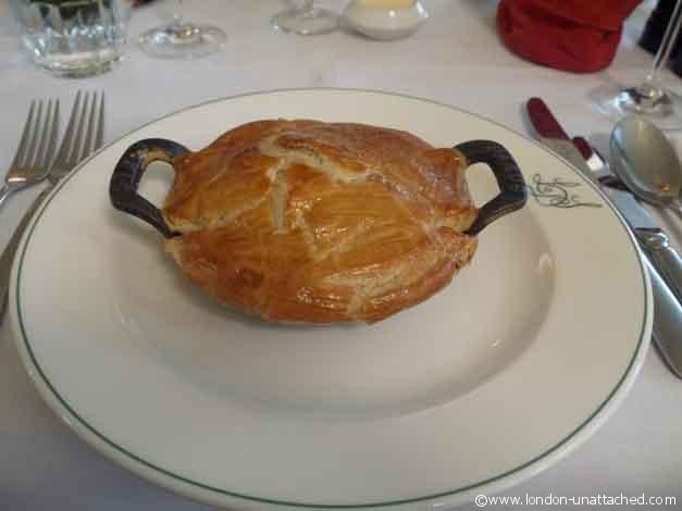les deux salons snail and bacon pie