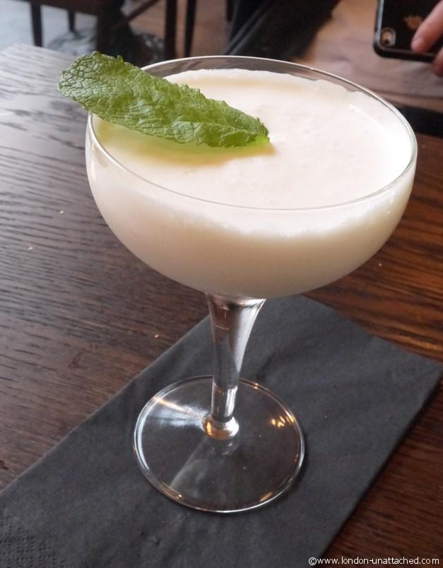 https://www.london-unattached.com/wp-content/uploads/2013/05/beagle-dessert-cocktail.jpg