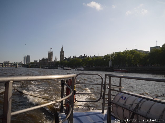 London-unattached river thames