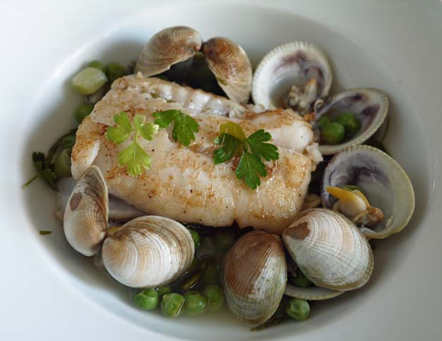 5-2 diet white fish with clams and samphire 2