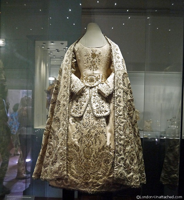 Costume for our Lady at Sines