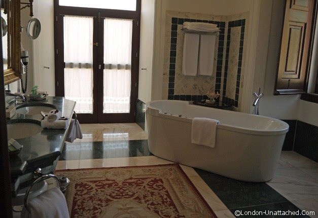 Convento Suite Bathroom