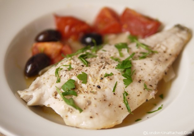 5:2 diet recipes Sea bass with fennel, tomato and olives