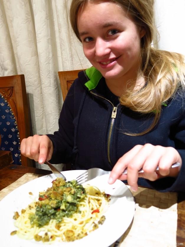 Applewood Happy Eater