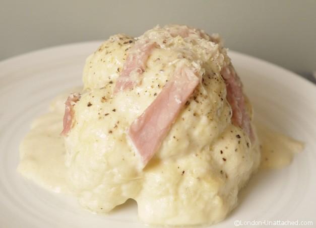 Creamy Cauliflower cheese with Bacon