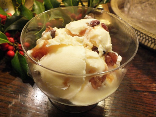 Christmas Ice Cream with Advocaat and Mincemeat