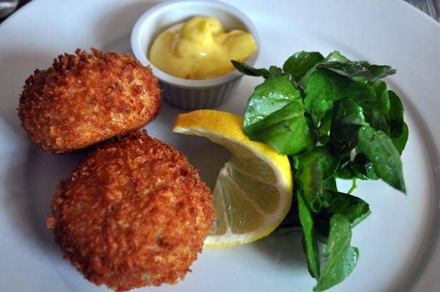 Smoked Haddock Fishcakes, Aioli, Watercress, Lemon