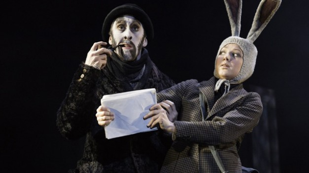 Wind in the Willows - Mole and the Post Rabbit