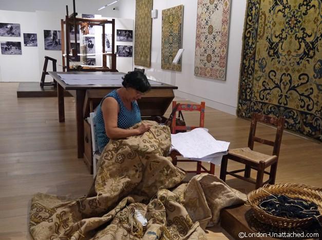 making rugs arraiolos