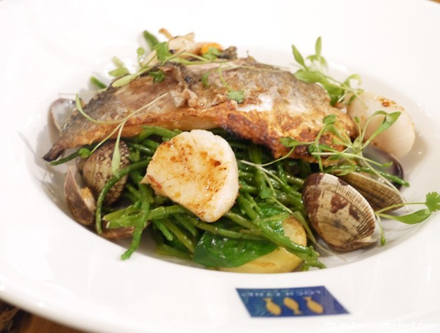Loch Fyne Henley - Seabream with clams and samphire