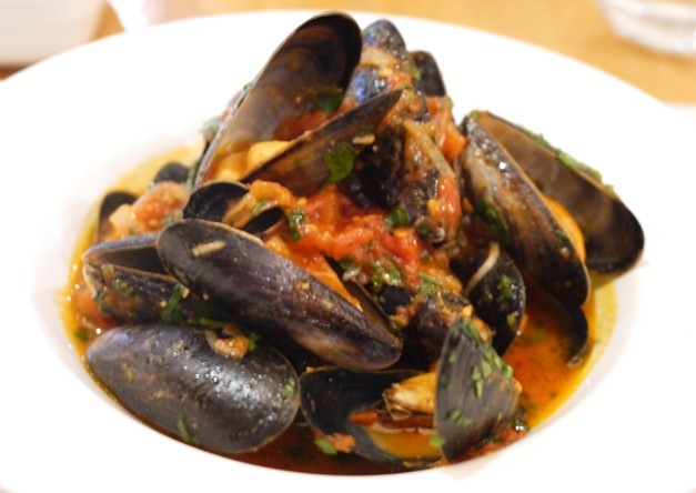 Sams Bar Brasserie Mussels - 5-2 diet menu