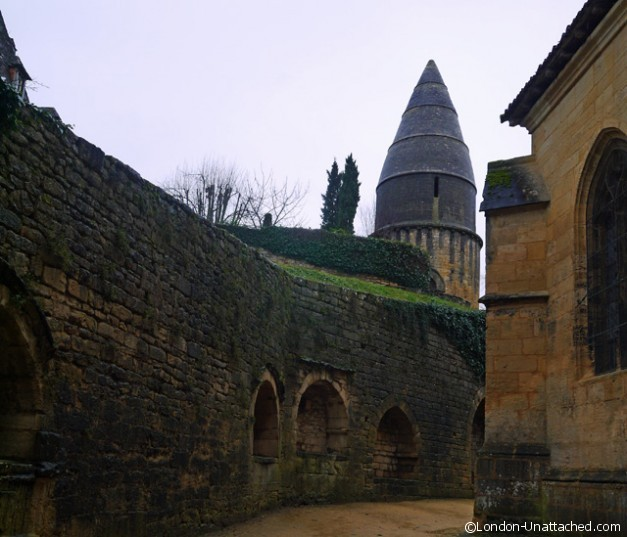 Sarlat the lantern of the dead 3