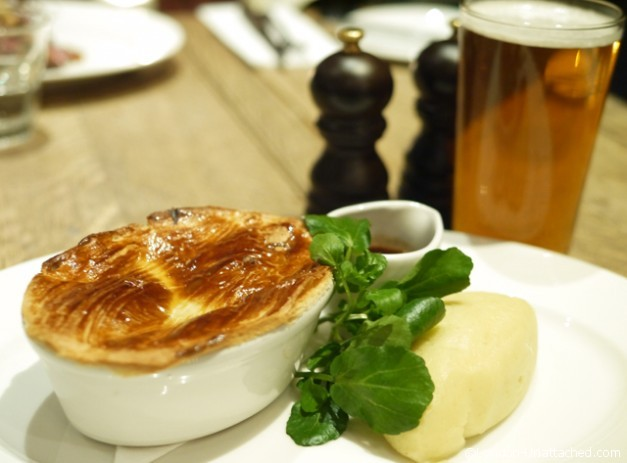 Cadogan Arms - Pie and Mash with Beer