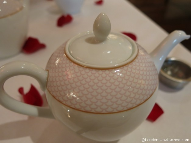 Le Tea en Rose Bone China