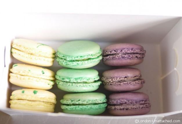 Macaron in box