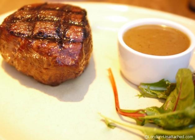 Roxies Rare Fillet Steak