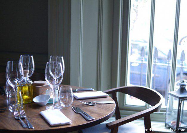 Notting Hill Kitchen Table Setting