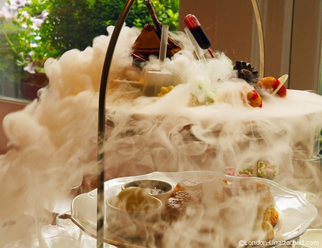 Ampersand science Afternoon tea with dry ice