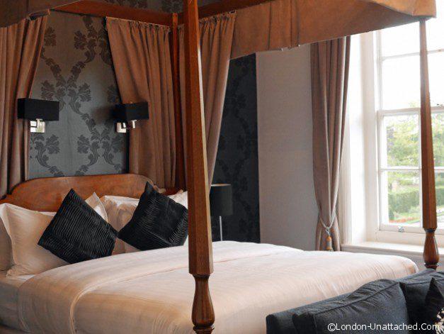 Cannizaro House Bed