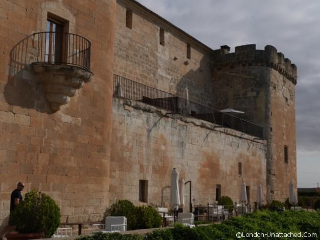 Castillo de Buen Amor exterior 2