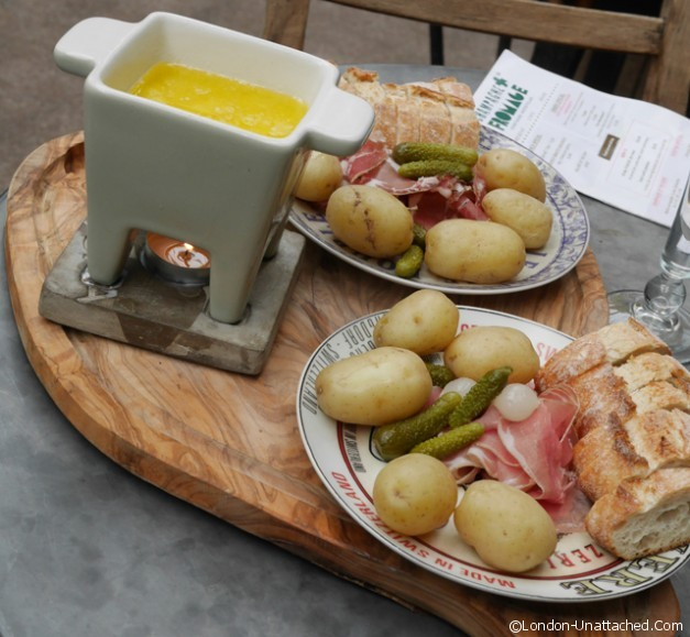 https://www.london-unattached.com/wp-content/uploads/2014/08/Cheese-Fondue-champagne-and-fromage.jpg