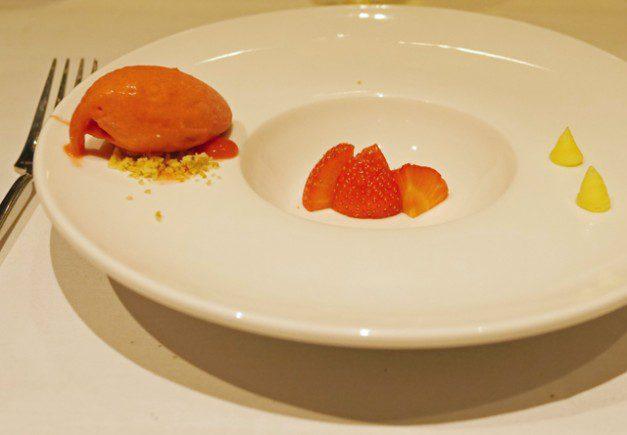 Cannizaro House - Strawberry pre-dessert