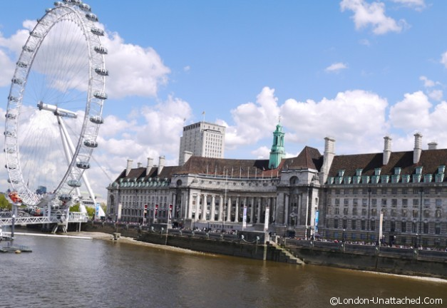 County Hall and the London Eye - London-Unattached