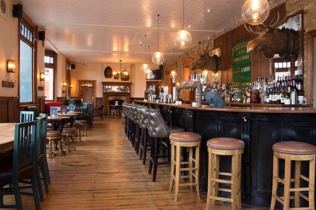 Ealing Park Tavern pub in Ealing