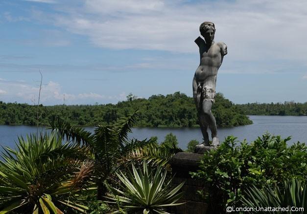 Geoffrey Bawas House - roman statue 1