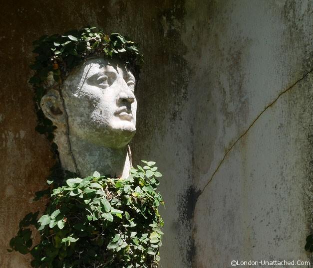 Geoffrey Bawas House - roman statue
