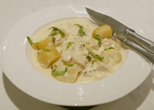 'Chicken' Quorn in Cream and Tarragon Sauce