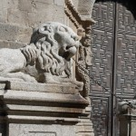 Chained Lions Avila