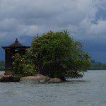 Sri Lanka River Boat Safari - buddist temple