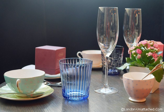 Tea Setting - Pont Street