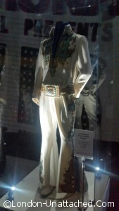 elvis card suit