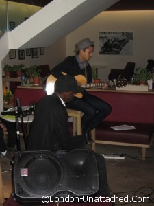 vapiano - guitarist - Copy