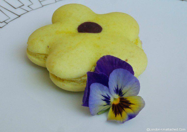 Bergamot Macaron - intercontinental scents of summer tea